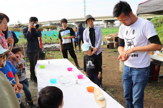 窪田善文さんによるおむすびの握り方講座